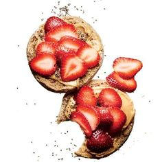 7 Easy, Healthy Recipes for College Students: Breakfast Edition.  Being in college means having a very busy schedule (especially if you're in a sorority).  It also includes the struggle of finding time to work out and eat healthy.  http://www.greeku.com/blog/7-easy-healthy-recipes-for-college-students-breakfast-edition/