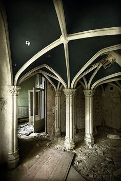 What a shame...so beautiful! Micoley's picks for #AbandonedProperties www.Micoley.com