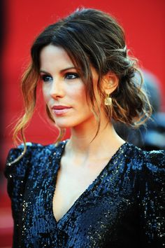"""Kate Beckinsale Photos Photos - Jury member Kate Beckinsale attends """"Biutiful"""" Premiere at the Palais des Festivals during the Annual Cannes Film Festival on May 2010 in Cannes, France. Hair Dos, My Hair, Kate Beckinsale Hair, Palais Des Festivals, Wedding Hair And Makeup, How To Make Hair, Bridesmaid Hair, Hair Inspiration, Wedding Hairstyles"""