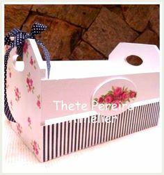 Caixa de madeira decorada - Decoupage da Prof. Thete Pereira / Athelier Wooden Box Crafts, Rustic Crafts, Metal Crafts, Wooden Crates, Wooden Boxes, New Crafts, Diy And Crafts, Decoupage Box, Pretty Box