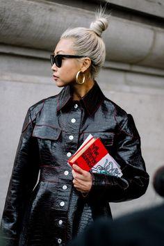 Vanessa Hong | Galería de fotos 12 de 110 | VOGUE Vogue Fashion, Fashion Week, Look Fashion, Girl Fashion, Fashion Outfits, Womens Fashion, Fashion Design, Street Fashion, Latest Fashion
