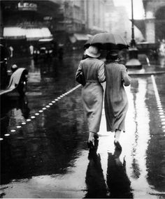 rainy-day-in-Paris : The streets are shiny, glistening from the rain, the Christmas lights are slowly going up all over town and the coats and hats are out in full force.