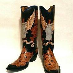 Angels boots  #cotww #instafashion #instagood #styleinspiration #fashion #shoelover #boots #style #styleguide #styleicon