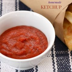 Homemade Ketchup {DIY Pantry Staples}