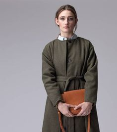 The Luna moss green coat is a very comfortable luxurious coat! Straight fit, round collar and side pockets. The coat is fully lined and closes with press studs. Green Coat, Dutch, Bomber Jacket, Shop, Fashion, Green Trench Coat, Moda, Dutch Language, Fashion Styles