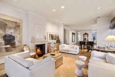 Classic River House Apartment Overlooking the East River