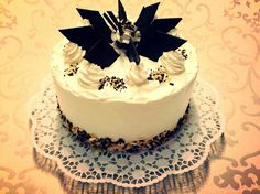 Chocolate cake, classic decoration..