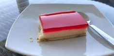 Δροσερό και ελαφρύ γλυκάκι με μπισκότα, κρέμα και ζελέ Cheesecake, Desserts, Food, Cheesecake Cake, Postres, Deserts, Cheesecakes, Hoods, Meals