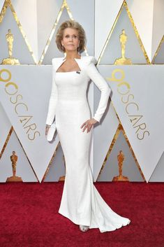 Hollywood is in the throes of a cultural sea change amid #MeToo and #TimesUp. Let's check in with Lupita Nyong'o, Greta Gerwig and Timothée Chalamet. Best Oscar Dresses, Oscar Gowns, Actress Feet, All Actress, Jane Fonda, Oscar Photo, Oscars Red Carpet Dresses, Versace Gown, Oscar Fashion