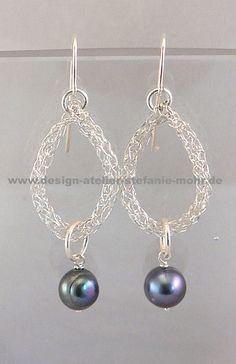 UNIKAT gestrickte Ohrringe silber mit SW-Perlen von design-atelier-stefanie-mohr auf DaWanda.com