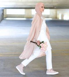 blush pink casual hijab- Casual chic hijab 2016 http://www.justtrendygirls.com/casual-chic-hijab-2016/