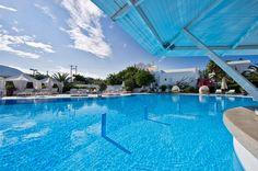 279€ για ένα ονειρεμένο τετραήμερο 2 ατόμων, σε junior ή luxury suite με πρωινό, χρήση sauna, hamam ή υδρομασάζ, 1 φιάλη κρασί και 3 γεύματα, στο Imperial Med, στο πιο ειδυλλιακό νησί της υφηλίου, τη Σαντορίνη, αξίας 1185€ - έκπτωση 76%