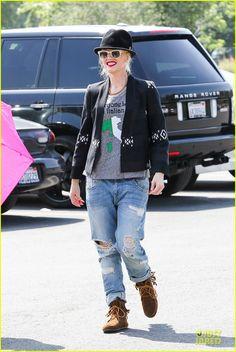 Gwen Stefani in her Minnetonka Tramper Ankle Hi Boots