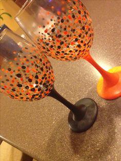 Halloween wine glasses DIY