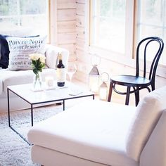 #vardagslyxstuga hashtag on Instagram • Photos and Videos Ton Chair, H&m Home, White Decor, Diptyque Candles, Cottage, Traditional, Roses, Farmhouse, Instagram
