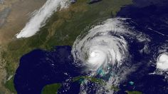 Hurricane Matthew Forces Flight Cancellations, Amusement Park Closures