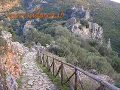 A beautiful stroll towards Medusa Castle. You can admire the landscape!