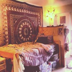 I wish we could have tapestries bohemian дом мечты, декор комнаты и идеи дл Hacks Ikea, Tapestry Bedroom, Wall Tapestry, Tapestry Design, Mandala Tapestry, Hanging Tapestry, Dorm Room Walls, Tumblr Rooms, Drag