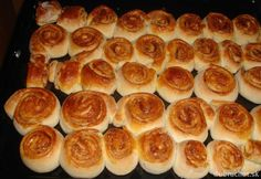 Škoricové hniezda Ethnic Recipes, Food, Basket, Recipes, Essen, Meals, Yemek, Eten