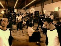 Una de mis favoritas canciones Mexicanas :) (por mi banda favorita)