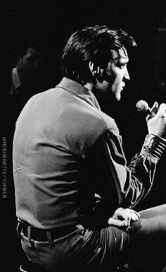 Elvis Presley ♔during rehearsals for the '68 comeback special , june 27 , 1968