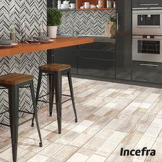 Simulando os traços característicos da madeira de demolição, o HD-57090 é uma excelente opção para decorar espaços internos. Seu tom fica perfeito em cozinhas, por conta da dinâmica do cômodo. #Incefra #GrupoFragnani #ceramica #decoracao #relevo #parede #cozinha #cor #geometrico #contemporaneo #moderno #kitchen #revestimento #pisoceramico