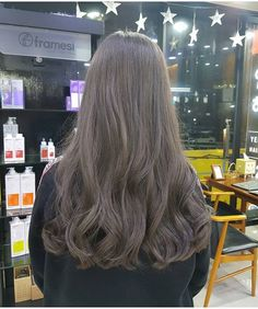 You are in the right place about wavy hair peinados Here we offer you the most beautiful pictures ab Ash Hair, Ombre Hair, Permed Hairstyles, Cool Hairstyles, Curly Hair Styles, Natural Hair Styles, Ulzzang Hair, Dream Hair, Hair Day