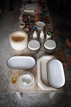 I am totally smitten with the simplicity and beauty of Crudo Ceramics. I really like how they use ceramics, terracotta, porcelain and glass in simple. Ceramic Tools, Glass Ceramic, Ceramic Clay, Ceramic Pottery, Ceramic Workshop, Ceramic Studio, Ceramic Techniques, Pottery Techniques, Pottery Tools