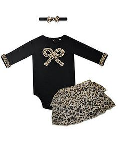 I want a little girl, so I can put her in this outfit!