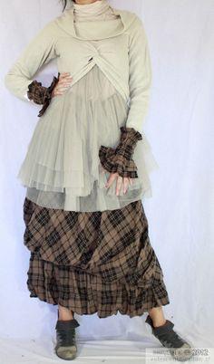 Long skirt Iridessa beige Myrine & me