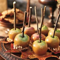 Autumn themed wedding appetizers... Could do 4 of these - really lime green apples, could also put fall leaves w/it