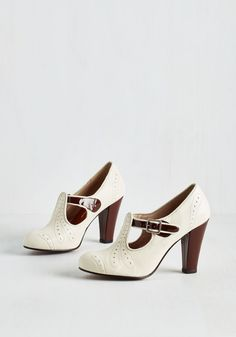 All Aboard Heel in Mocha. All that's left to pack for your upcoming trip is the perfect pair of pumps - these versatile, vintage-inspired heels! #cream #modcloth #style #fashion #mode #shoes #schoenen #boenderpint