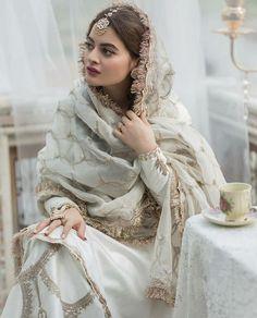 Pakistani Fashion Casual, Pakistani Dresses Casual, Pakistani Wedding Outfits, Indian Gowns Dresses, Pakistani Dress Design, Bridal Outfits, Stylish Dresses For Girls, Stylish Dress Designs, Punjabi Suits Designer Boutique
