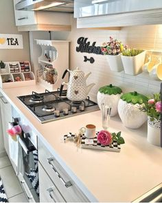 Shabby Chic Kitchen, Home Decor Kitchen, Home Kitchens, Diy Home Decor, Small Kitchen Cabinets, Kitchen Small, Cuisines Design, House Rooms, Living Room Decor