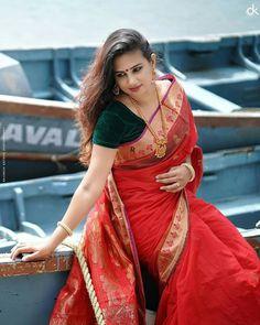 Beautiful Girl Indian, Beautiful Girl Image, Most Beautiful Indian Actress, Beautiful Saree, Beautiful Girl Hd Wallpaper, Indian Wedding Couple Photography, Saree Poses, Saree Photoshoot, Stylish Girls Photos
