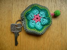 Sleutelhoesje/key cord african flower