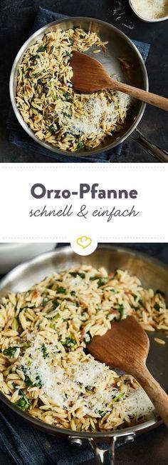 Leckere Orzo-Nudeln werden mit Spinat und Parmesan zu einem schnellen Feierabendgericht, das dich rundum glücklich macht.