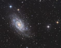 NGC 2403 [OC][3284  2604] http://ift.tt/2DAq9RP