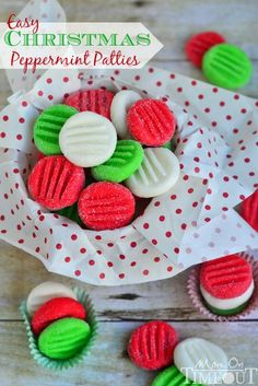 Easy Christmas Peppermint Patties Recipe ~ Super easy to make, fantastically festive, and always a hit with kids and adults alike. These holiday treats are the perfect addition to cookie trays and make an excellent gift for teachers and friends! Christmas Sweets, Christmas Cooking, Noel Christmas, Christmas Goodies, Christmas Candy, Simple Christmas, Homemade Christmas, Christmas Parties, Christmas Cookies Kids