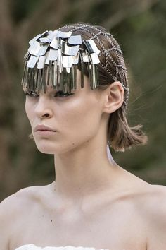 Headpiece.Givenchy Couture automne-hiver 2018-2019.