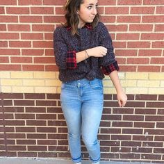 Day THREE♥️ Also click the link in our bio to buy @iisuperwomanii's rafiki bracelet (the one I am wearing in this photo) and support Lilly's efforts to help young Kenyan girls get an education!! #5dayfashionchallenge #styledwaysfordays #girllove