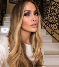 Ciara Hair Color, Jennifer Lopez Hair Color, Hair Color Pink, Blonde Color, Cool Hair Color, Beyonce Hair Color, Beautiful Hair Color, Honey Blonde Hair, Ciara Blonde Hair