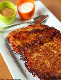 Grumbeerpannekuche/ German Potato Pancakes * 1 kg ( 2 lbs) starchy potatoes * 1 big onion * Parsley, chopped (optional) * 2 eggs * 1 tablespoon flour * salt, pepper and nutmeg * vegetable oil for frying