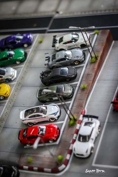 Amazing scale diecast custom cars on display at the Thai Custom Model Festival Custom Hot Wheels, Hot Wheels Cars, Hot Cars, Custom Cars, New Model Car, Model Cars Kits, Revell Model Cars, Diecast Model Cars, Hot Wheels Display