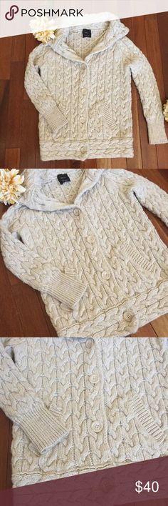 ZARA Knit Long Sleeve Cream Sweater/Cardigan Zara Knit Long Sleeve Sweater Size Medium Good Condition Buttons In Front Zara Sweaters