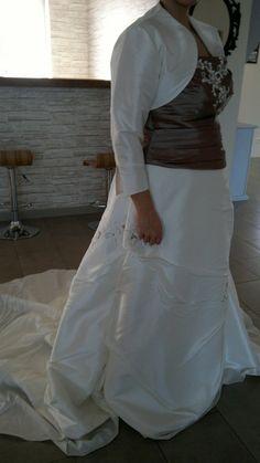 Robe de mariée ivoire et chocolat avec boléro d'occasion