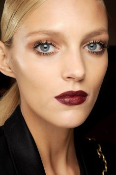 lashes and dark lips... make-up for blondes by madeau http://madeausynot.blogspot.com/2014/07/new-blonde-part-i.html