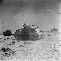 BRITISH ARMY NORTH AFRICA 1942 (E 12860)   Grant tanks training in Libya, 4 June 1942.