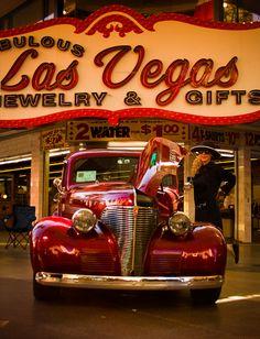 Las Vegas, red classic car