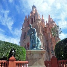 Did you know….San Miguel de Allende was designated as a World Heritage Site in 2008 by the UNESCO due to its contribution to the Mexican culture and holds an important place for the Mexican Independence!